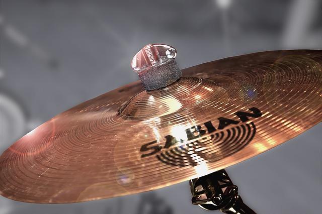 činel na bicí